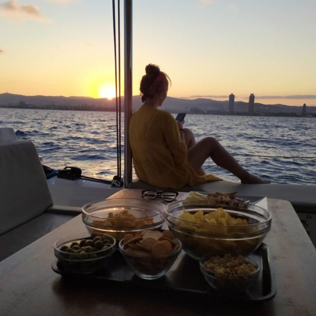 Another sunset onboard  UUUUUUUUAAUUUUU!!!!!  #nowords #sunsetbarcelona @bluemagiccat_barcelona #ouroffice